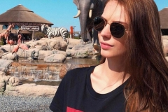 safari park dubai Girl Love to Visit